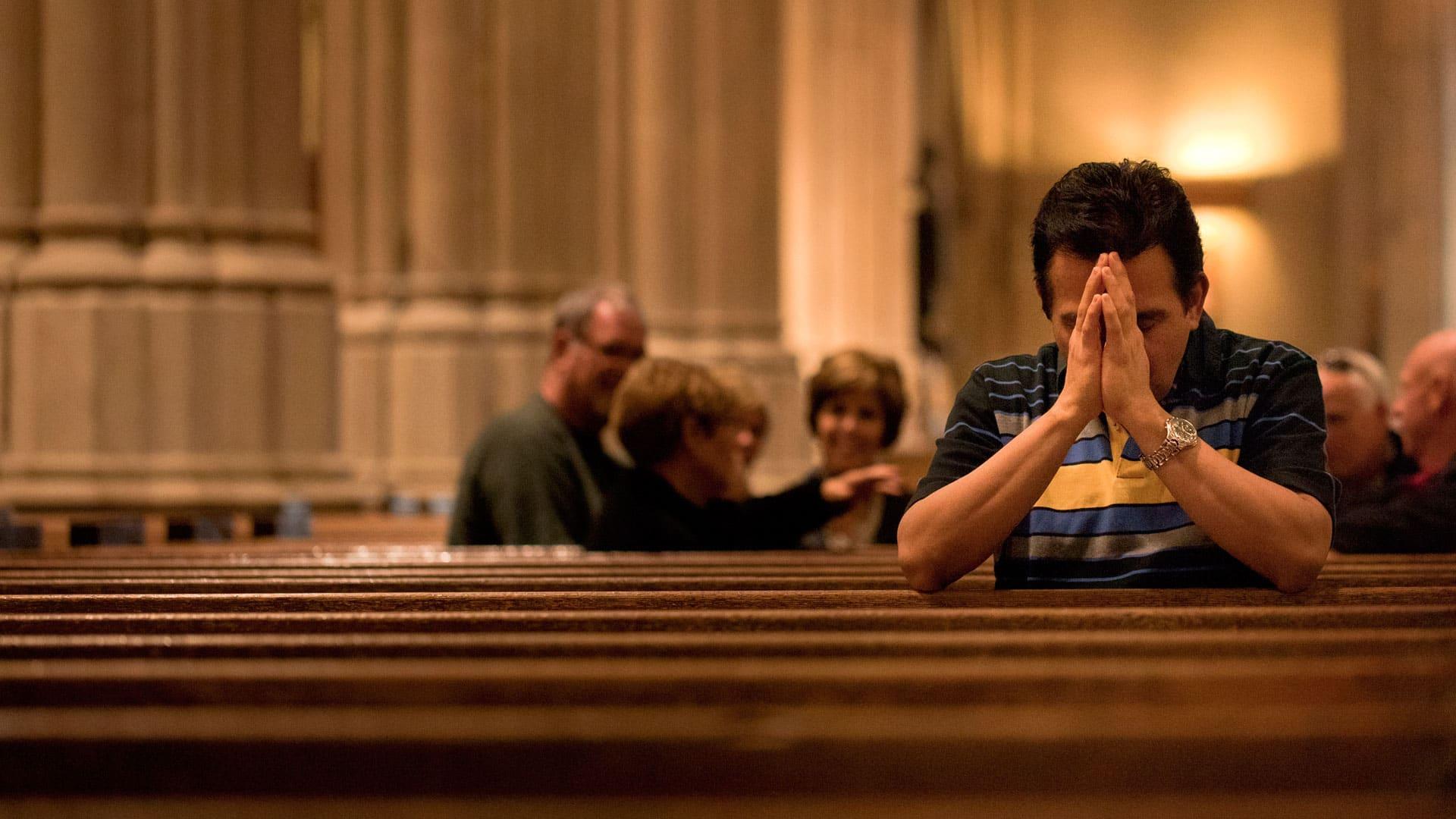 church offering prayer - 768×511